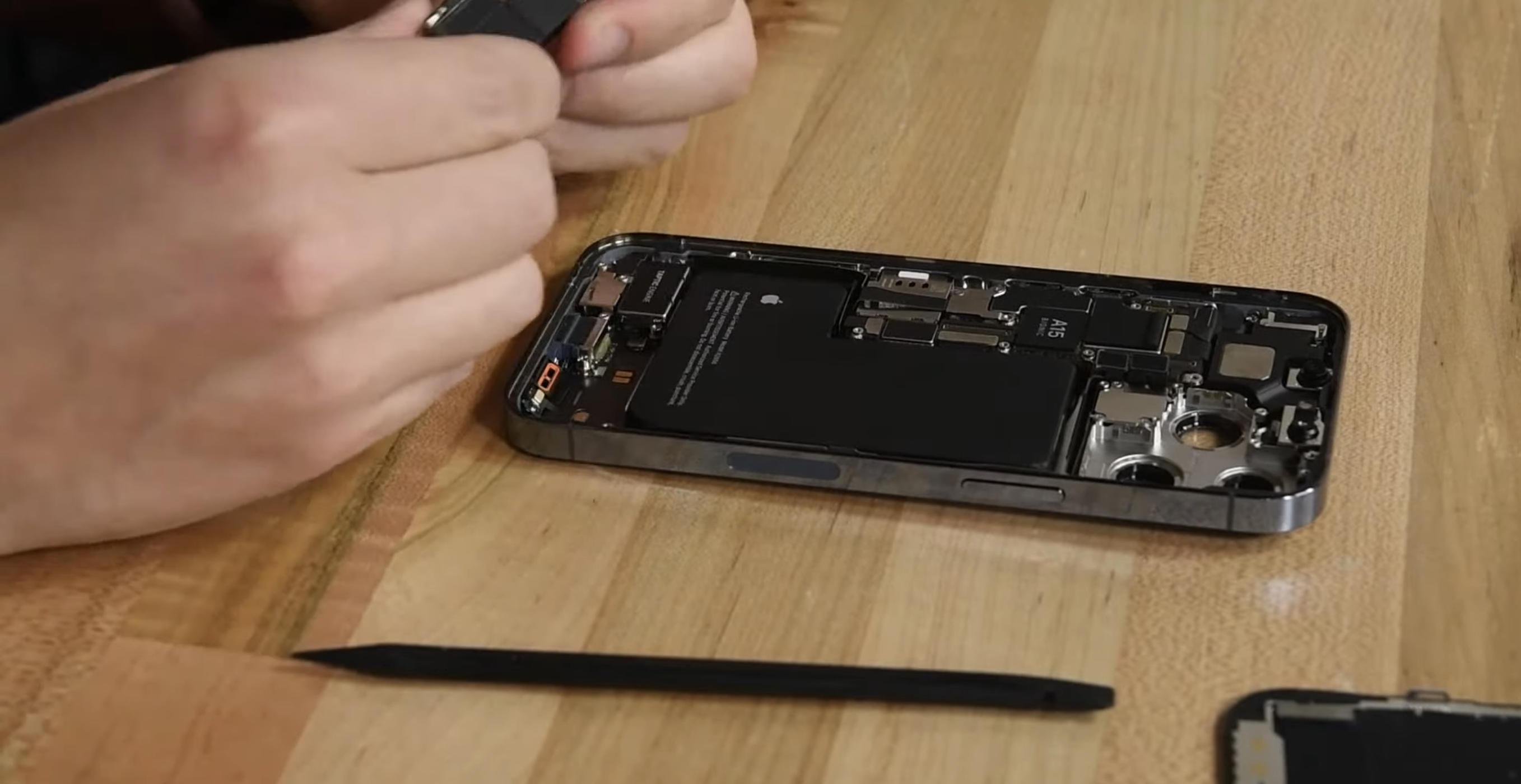iFixit zerlegt das iPhone 13 und 13 Pro