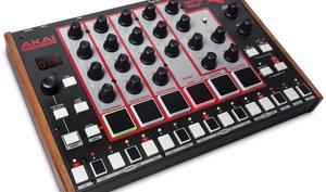 Akai Rhythm Wolf - Bass Synth und Drum Machine