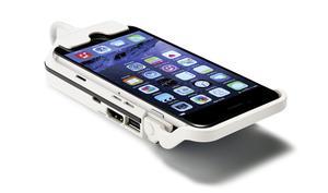 Aipteks Pico-Projektor für iPhone 6 und 6S nimmt Smartphones Huckepack