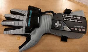 Kurios: Power Glove ermöglicht Drohnensteuerung via Gesten