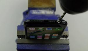 iPhone 7: Video zum Hinzufügen des Kopfhöreranschluss wird ernst genommen