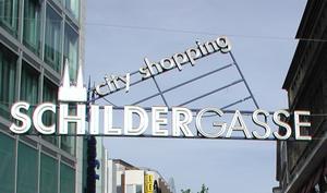 Neueröffnung naht: Apple Store Schildergasse in Köln putzt sich heraus