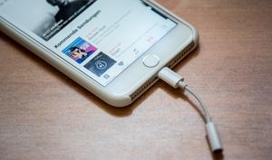iPhone 8: Liefert Apple in diesem Jahr den Kopfhörer-Adapter mit?