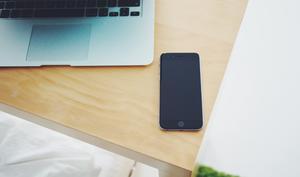 So aktivieren Sie Ortsvorschläge in der Kalender-App am iPhone