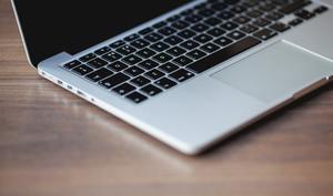 So starten Sie Siri schneller am Mac
