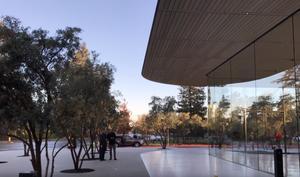 Apple Park: Besucherzentrum und Store eröffnet