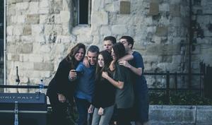 Selfies mit dem iPhone: So nutzen Sie den Selbstauslöser für bessere Aufnahmen
