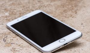Liefert Apple die 2018er iPhones ohne Lightning-auf-Klinke-Adapter aus?