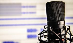 Kein Platz für Verschwörungstheoretiker: Apple entfernt Alex Jones' Podcasts