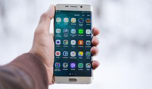 Ein Riese taumelt: Samsung überlegt Smartphone-Produktion zu drosseln