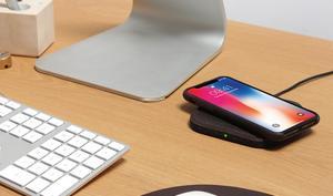 Pack & Smooch Taurus: Qi-Lader für das iPhone aus Filz und Leder