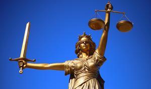 Wow: Oracle-Gründer Ellison findet, Apple steht über dem Gesetz