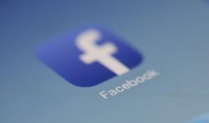 """Facebook wehrt sich: Apple ist ein """"exklusiver Club"""", bei dem man sich mit """"teurer Hardware einkauft"""""""