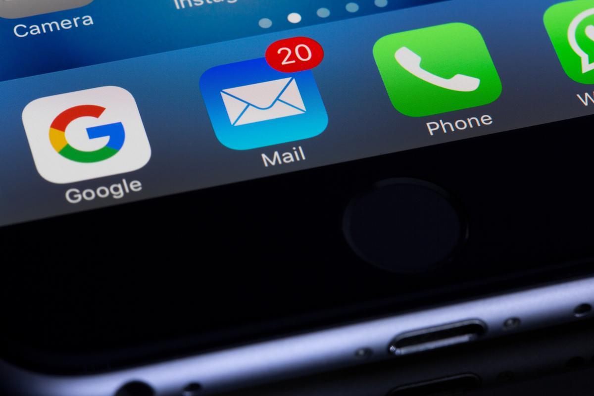 iphone lädt aber geht nicht an