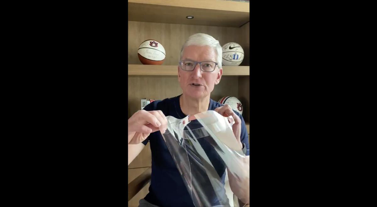 Tim Cook zeigt, wie Apples eigens produzierte Masken aussehen