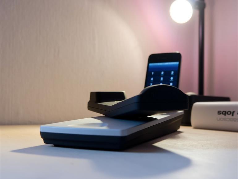 Das Arktis-Gadget der Woche: iPhone Tischtelefon-Station mit Bluetooth-Telefonhörer