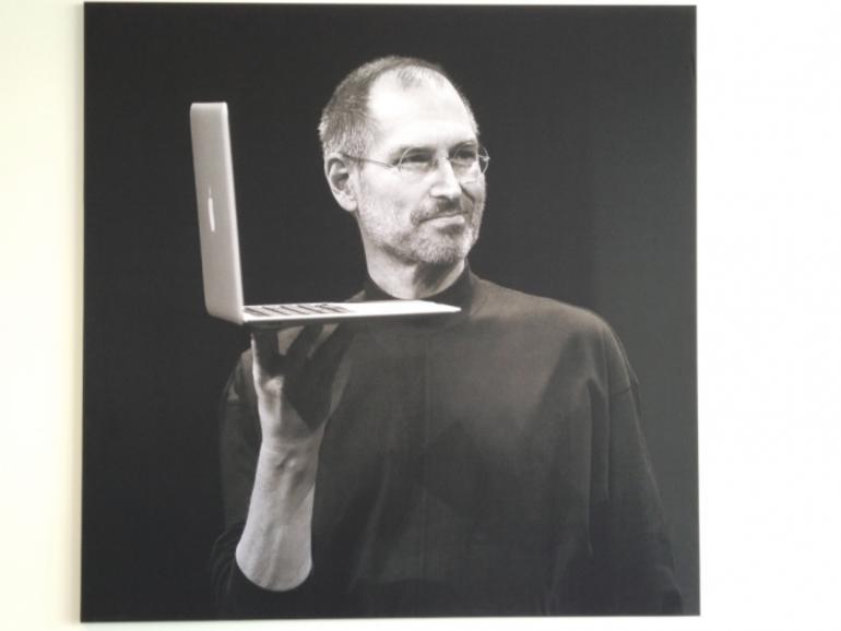 Auf dem Apple Campus: Steve-Jobs-Zitate in Postergröße