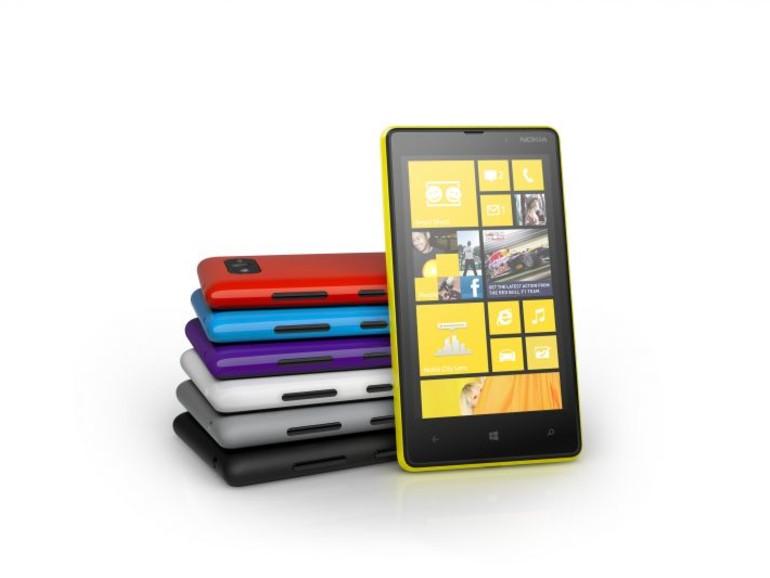Ähnlich ausgestattet wie Windows-Phone-7-Telefone, aber mit Dual-Core-CPU: Lumia 820.