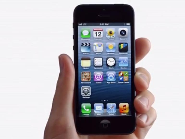 Erste iPhone 5 und Earpod Werbespots: Cheese, Ears, Physics und Thumbs