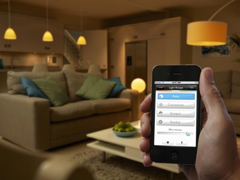 Philips hue: LED-Glühbirne mit App-Fernsteuerung