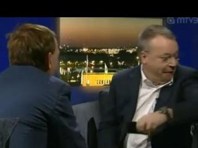 """Zum """"Wegschmeißen"""": Nokia-Chef Elop lässt das iPhone fliegen"""