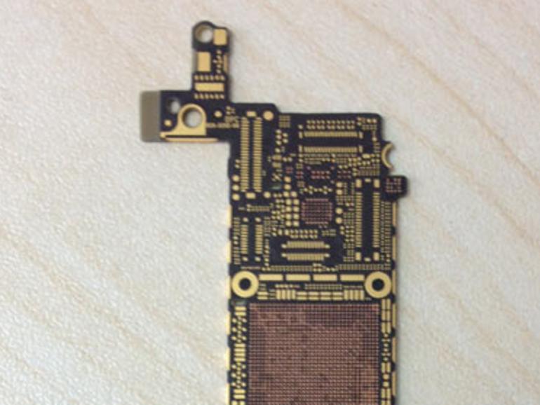 iPhone 5S: Foto zeigt unbestücktes Logicboard mit Platz für leistungsfähigere Chips