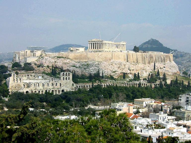 Comeback eines Totgesagten: Die Börse Athen hat 50 % zugelegt, Apple fast 50 % verloren (Bild: CC BY-SA 3.0, Chordboard)