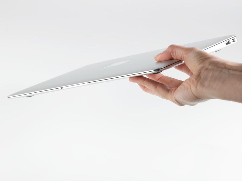 Luftig leicht: Das MacBook ist kompakt und ein echtes Leichtgewicht