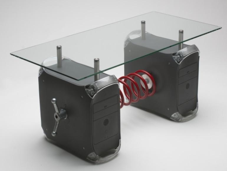 Netzfundstück: Der PowerMac G4 als Couchtisch