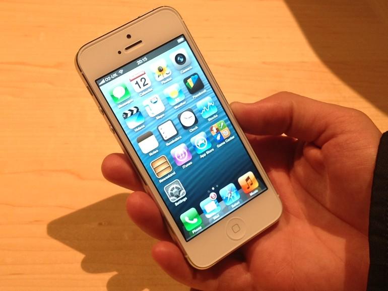 iPhone 5 gehalten