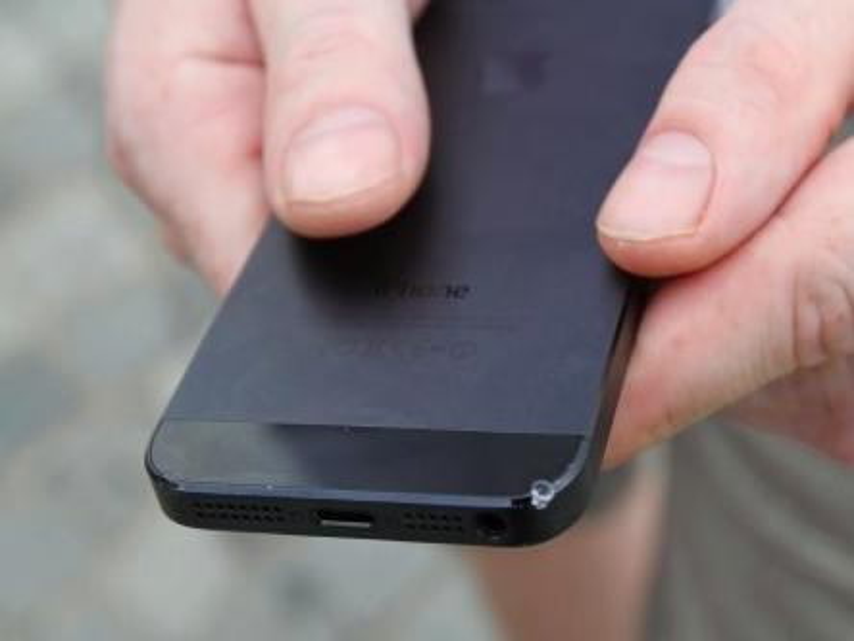 """iPhone 5 vs Galaxy SIII: Neues Apple-Smartphone gewinnt den """"Sturztest"""""""