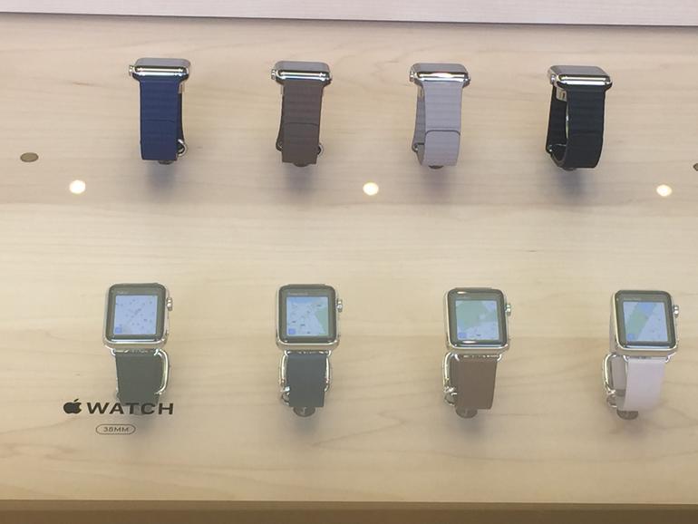 Apple Watch hinter Sicherheitsglas