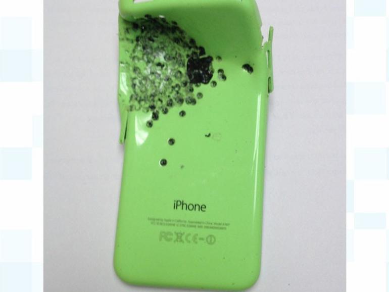 Das iPhone 5c befand sich in der Brusttasche des Opfers
