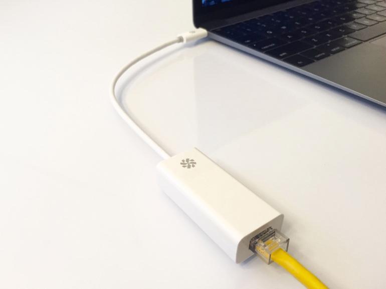 Apple bietet derzeit keinen direkten Adapter von USB-Type-C auf Ethernet an