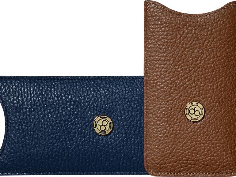 Die hochwertigen Leder-Etuis sind in verschiedenen Farben erhältlich, ob als Classic-Edition oder Gold-Edition.
