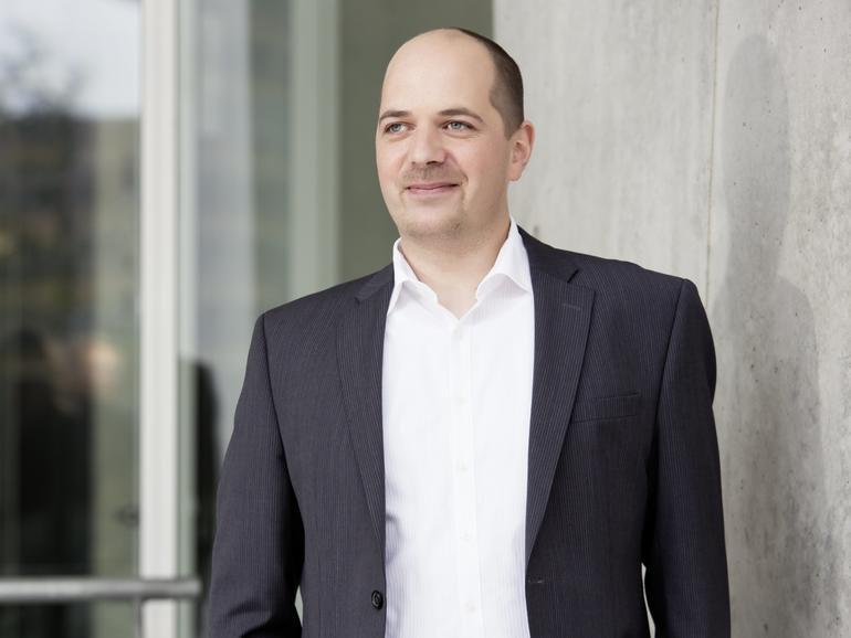Stephan Dirks klärt aus rechtlicher Sicht auf, ob sicheres Chatten möglich ist und wo die Grenzen liegen