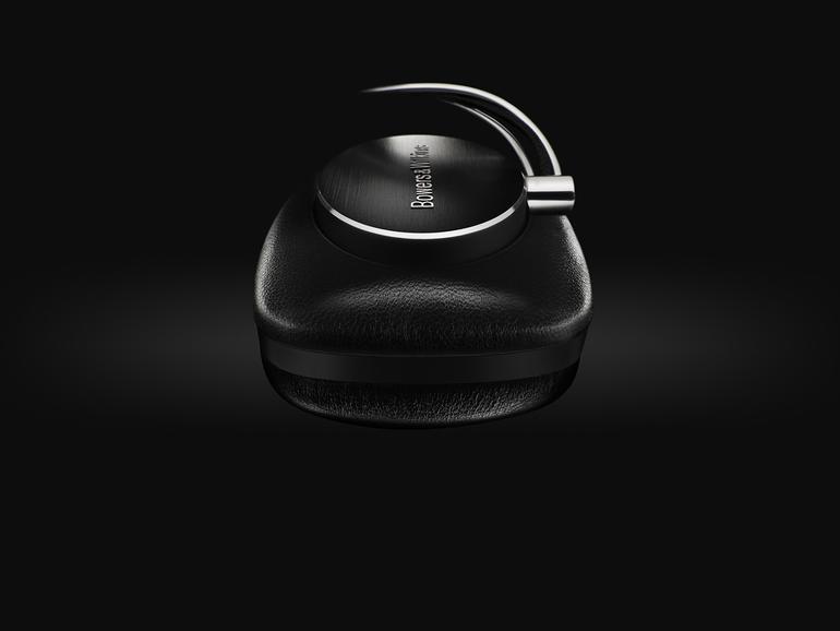 Bowers & Wilkins hat bereits mit den kabelgebundenen Kopfhörern P3, P5 und P7 überzeugt. Nun erhält die Familie Zuwachs in Form einer Bluetooth-Variante des P5.