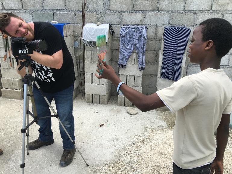 David Darg von Ryot.org filmt mit einem iPhone 6s Plus
