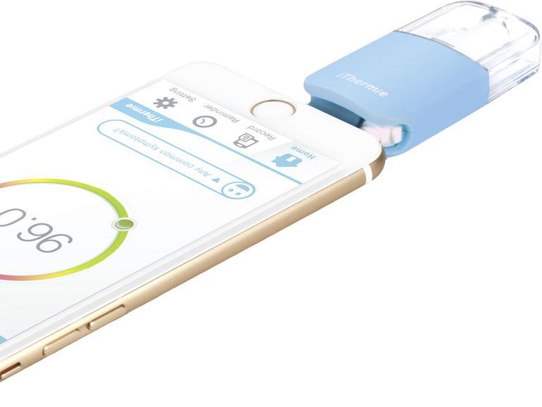 Das Thermometer iThermie von Odoyo wird einfach an den Klinken-Anschluss des iPhone gesteckt und misst die Temperatur wahlweise an der Stirn oder im Ohr.