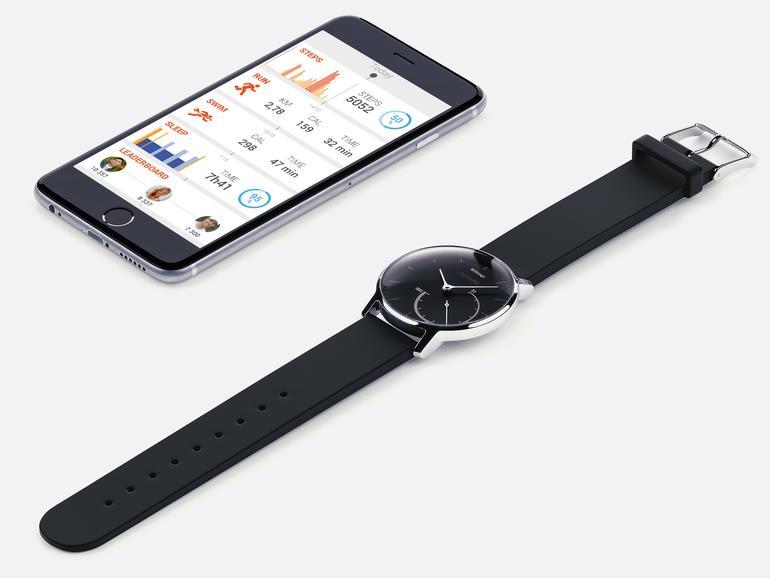 Während die Fortschrittsanzeige auf der Uhr per Zifferblatt dargestellt wird, können die anderen aufgezeichneten Daten per Health Mate-App abgerufen werden.