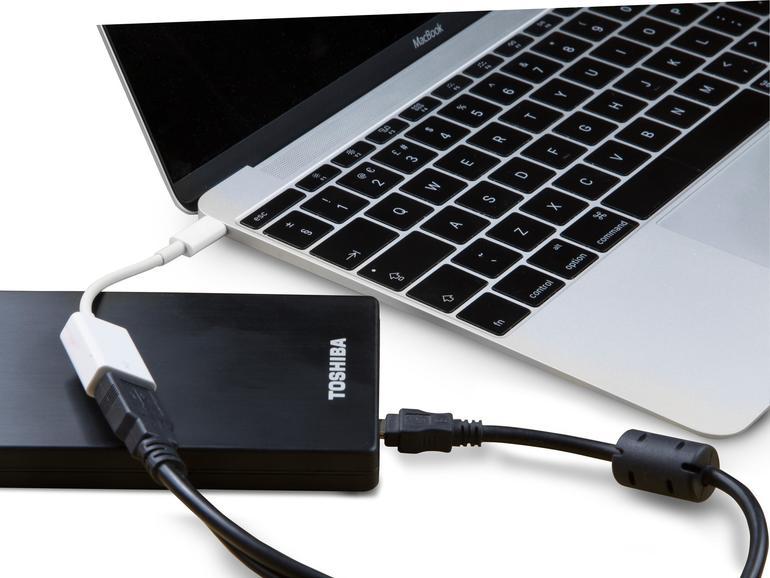 Externe Festplatten mit USB, Thunderbobestelt oder USB-C sind oft die  Option.