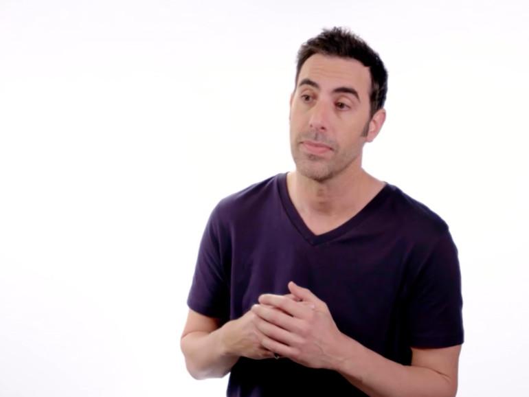 Borat-Darsteller nimmt Apple-Präsentationen als Jony Ive aufs Korn
