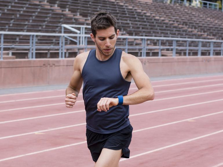 Fitbit Surge im Training