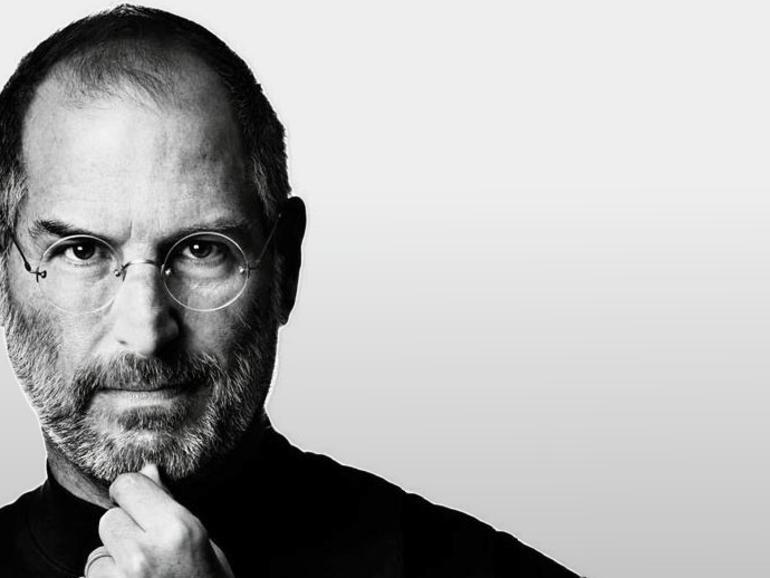 Russland gedenkt Steve Jobs mit riesigem iPhone