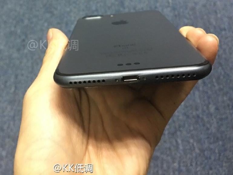 Bild des angeblichen iPhone 7 Plus in Spaceblack