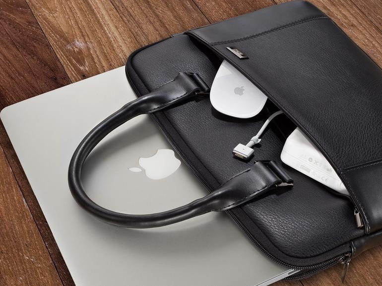 83bc0c4be09e7 Ausprobiert  Die Artwizz Leather Bag für Ihr MacBook