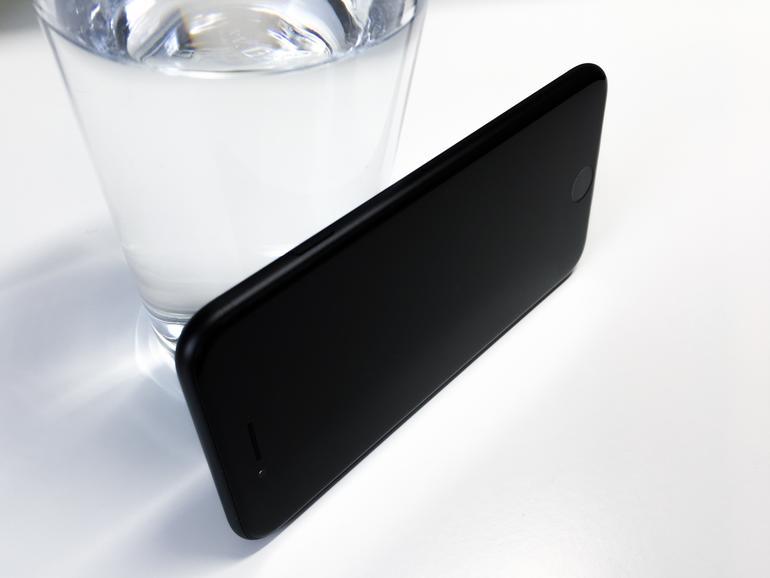 iPhone 7 in Schwarz