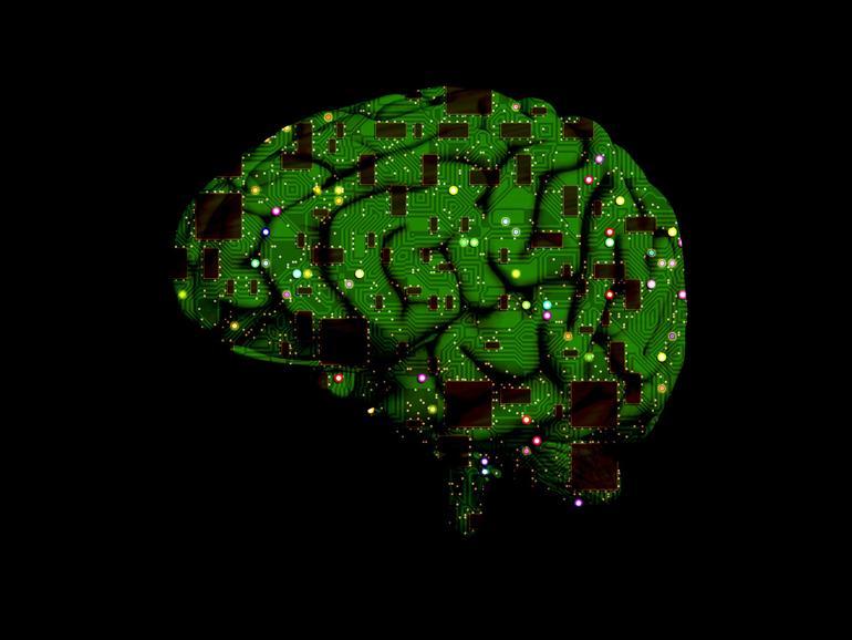 Gehirn mit Mikrochips