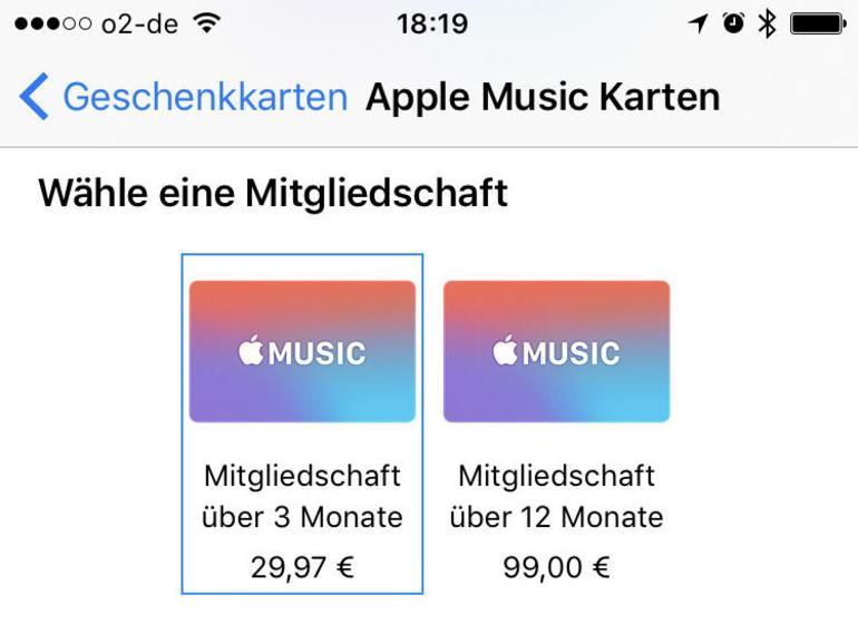 Blättern Sie bei den Geschenkkarten im Apple Store weiter nach unten, können Sie auch drei oder zwölf Monate Apple Music verschenken. Die üblichen drei Probemonate erhalten Neukunden zusätzlich.