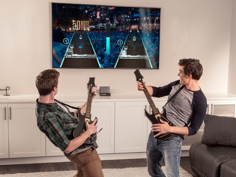 Guitar Hero Live zusammen performen - mit zwei Gitarren-Controllern kein Problem